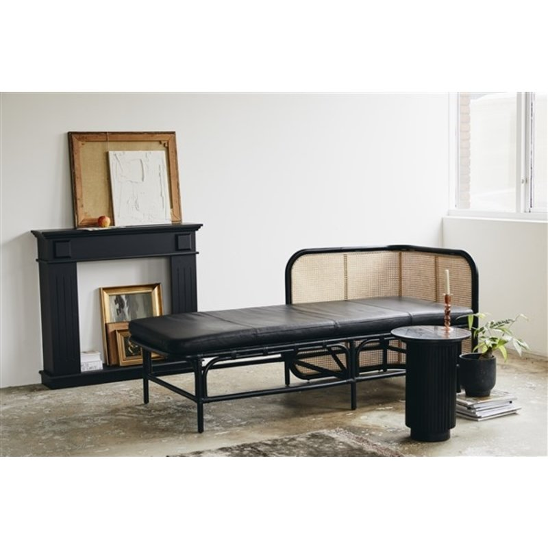 Nordal-collectie ERIE round side table, black marble top
