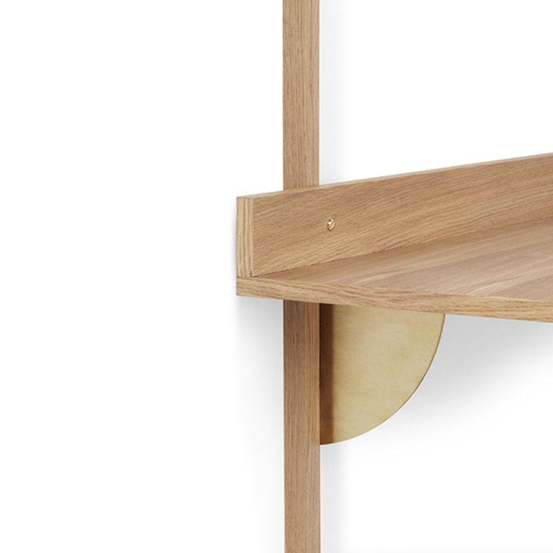 ferm LIVING-collectie Houten wandrek Sector Desk - eiken - Brass