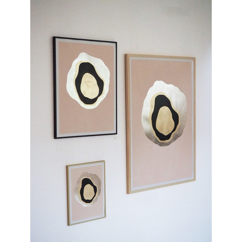 WHY-collectie Another Planet champagne gold with black frame 50x65 cm