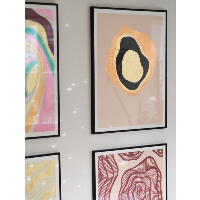 WHY-collectie Another Planet rose gold with black frame 50x65 cm