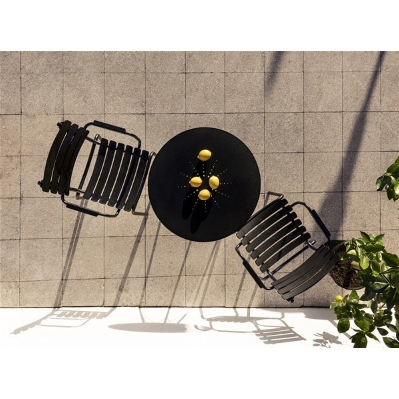 Houe-collectie ReCLIPS Dining Chair with black lamellas and armrests