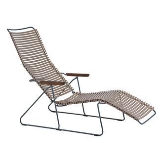 Houe CLICK sunlounger ligstoel met bamboe armleuning zand