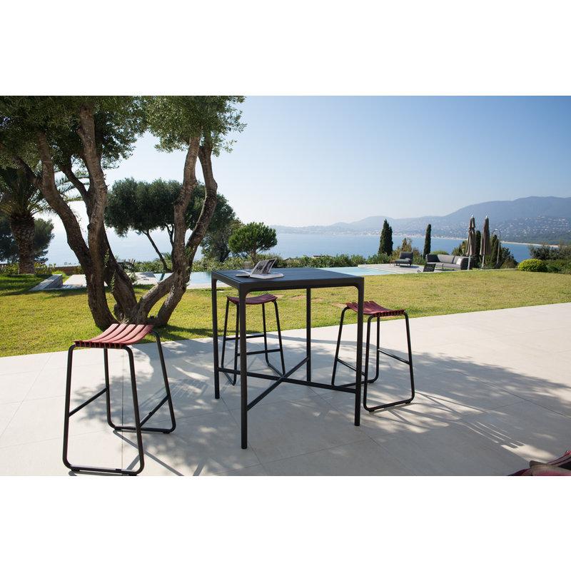 Houe-collectie FOUR Bar Table 90x90 cm, w/Aluminum Lamellas