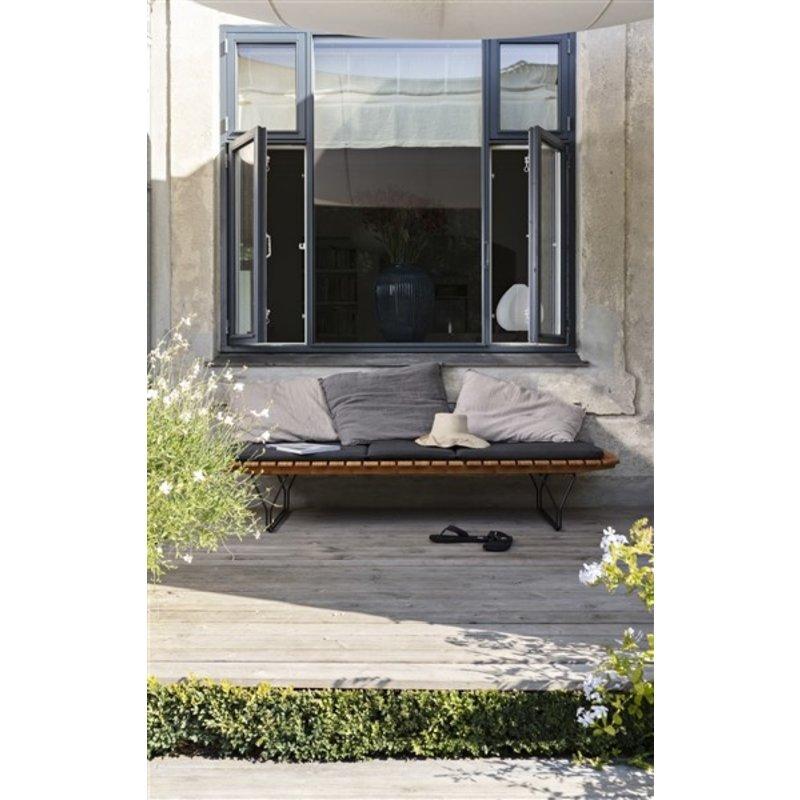 Houe-collectie MOLO bamboe daybed met zwart metalen frame