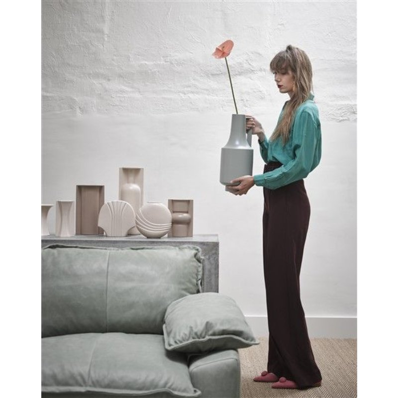 HKliving-collectie Mold shape flower vase L matt mocha