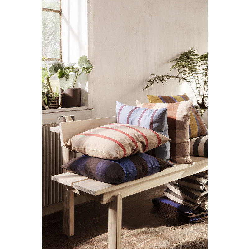ferm LIVING-collectie Grand Cushion - Chocolate/Bright Blue