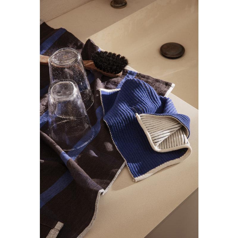 ferm LIVING-collectie Theedoek Hale Chocolate/Bright Blue