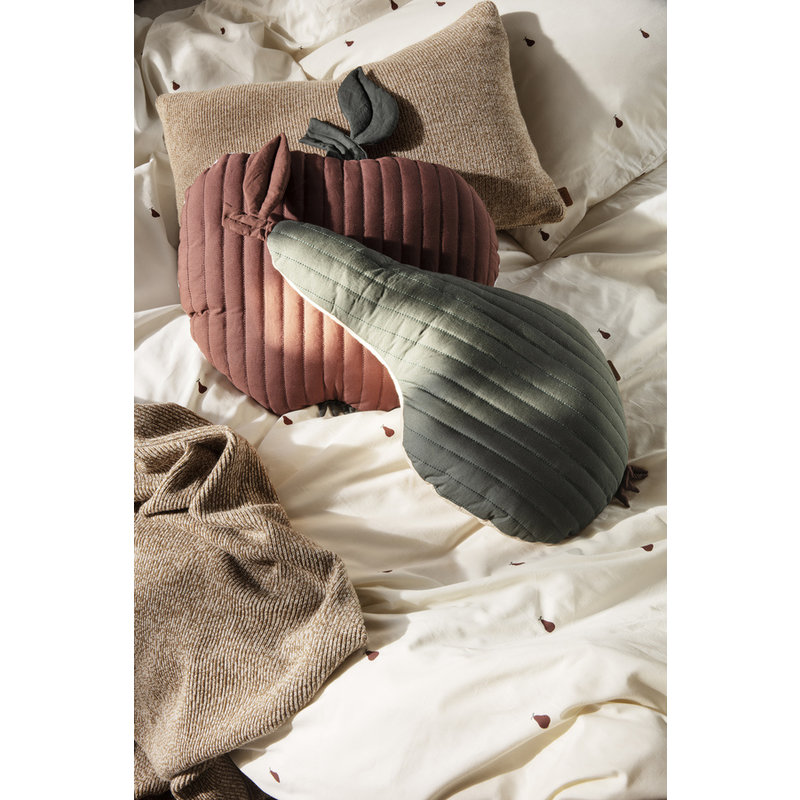 ferm LIVING-collectie Pear Quilted Cushion - Dark Green