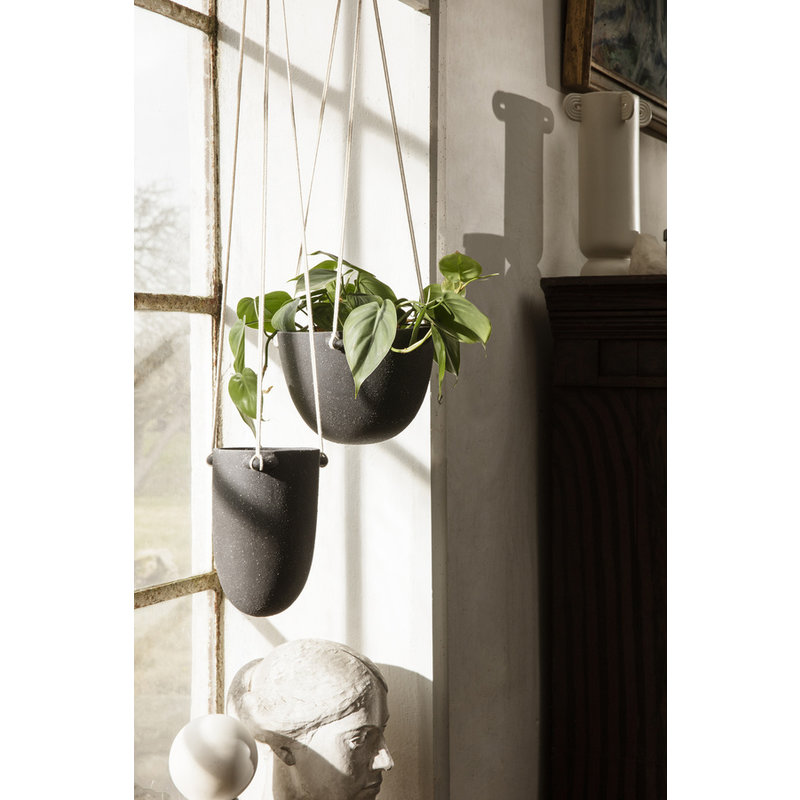 ferm LIVING-collectie Speckle Hanging Pot - Small - Dark Grey