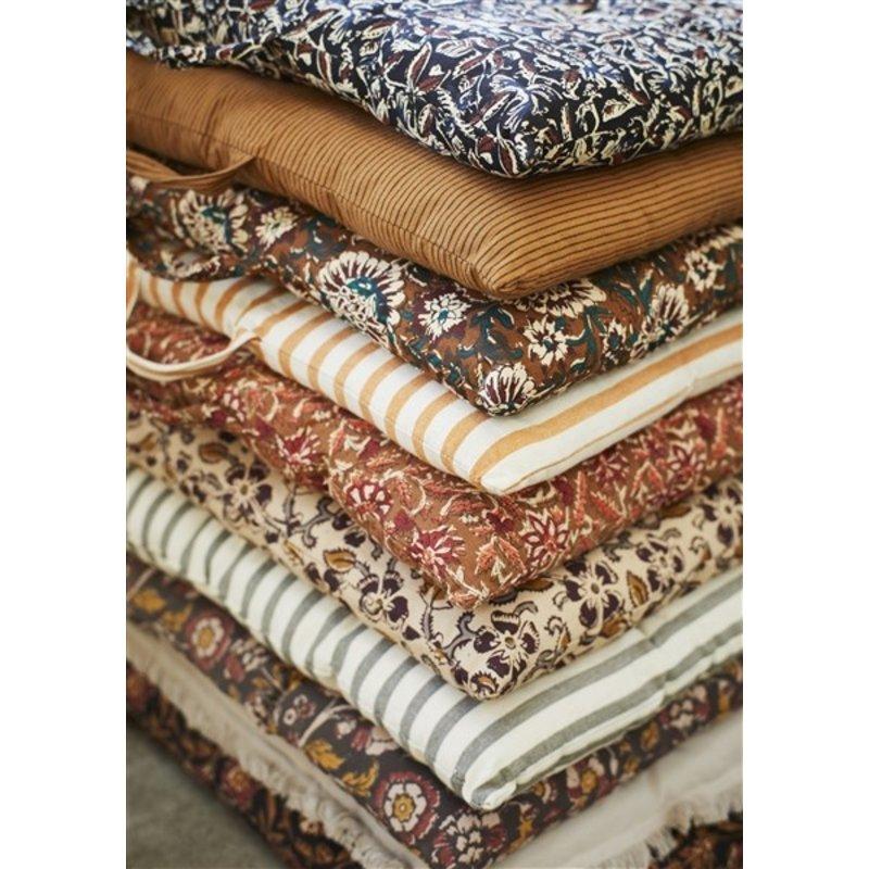 Madam Stoltz-collectie Printed cotton mattress-  Black, indian tan, rust, beige