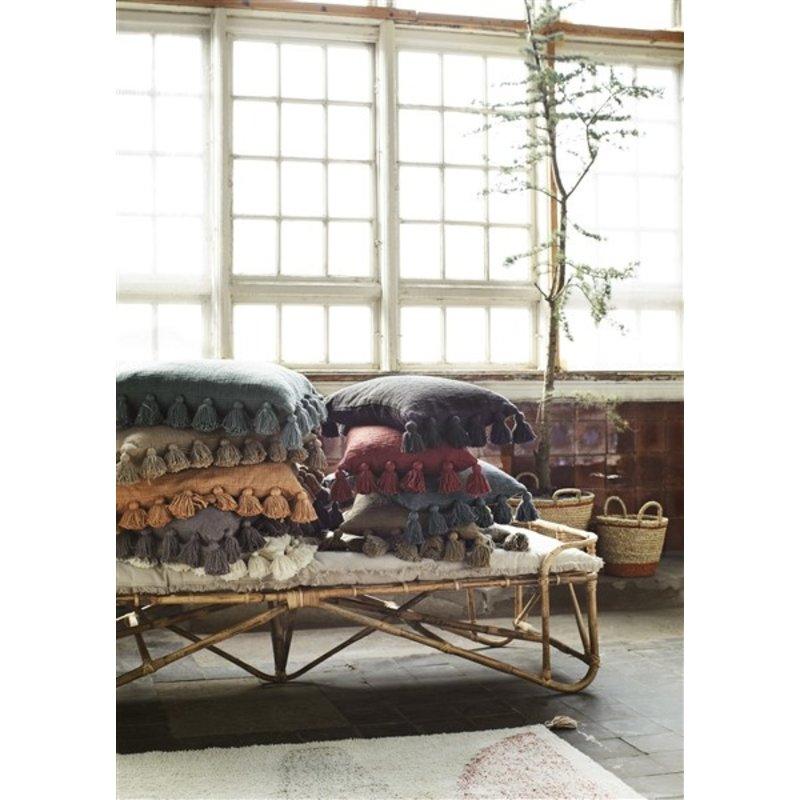Madam Stoltz-collectie Cushion cover w/ tassels - Iron