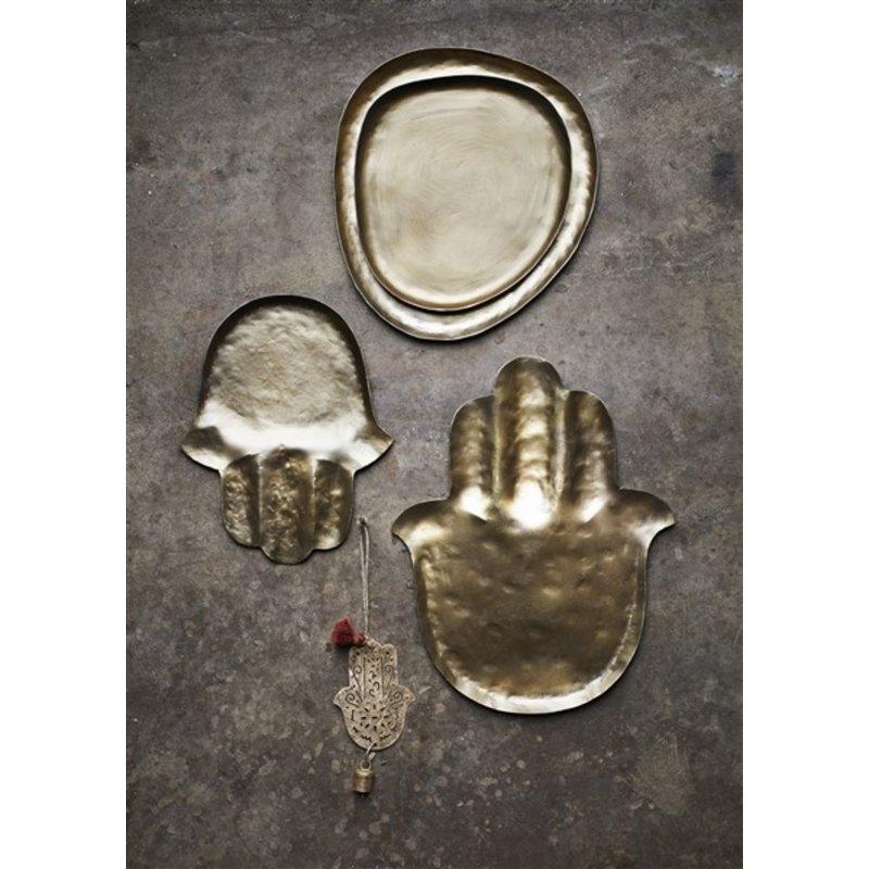 Madam Stoltz-collectie Hand hammered hamsa trays - Matt brass