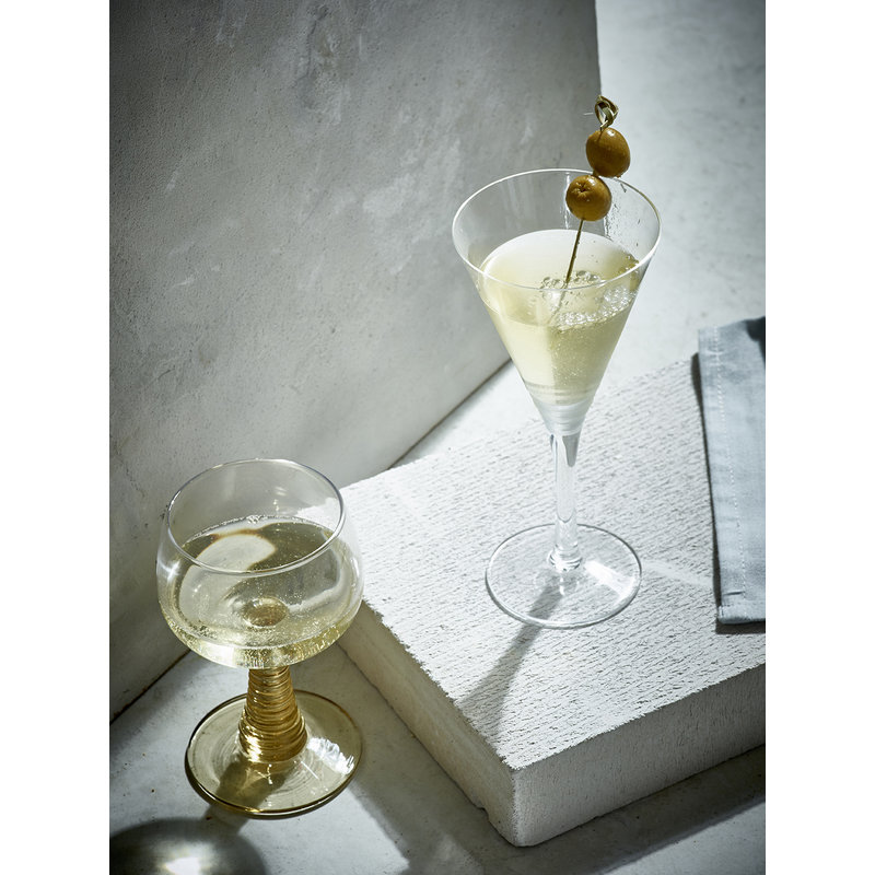 HKliving-collectie Wine glass with turned leg - green