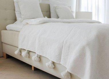 Pompom-Decken und -Kissen