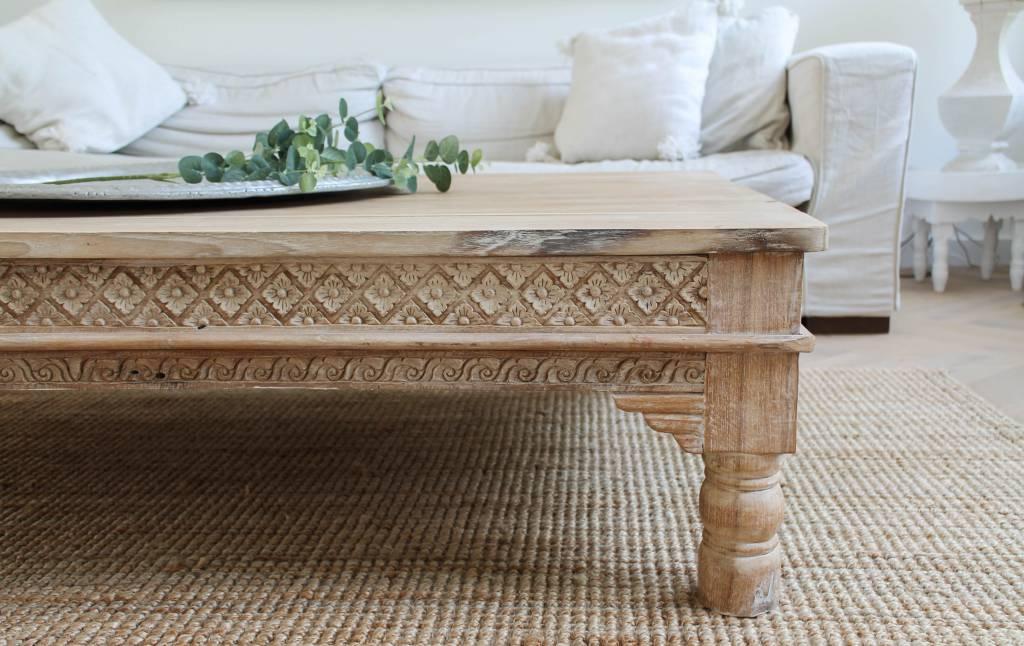 Handgemaakte salontafel met houtsnijwerk ( afmeting custom made)