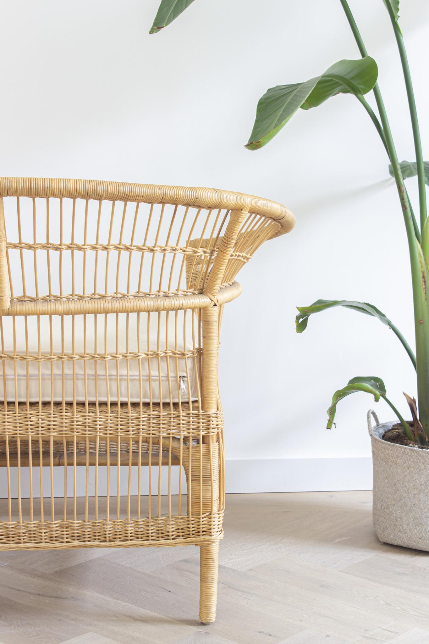 simply pure Handgemaakte fauteuil zeer uniek item!