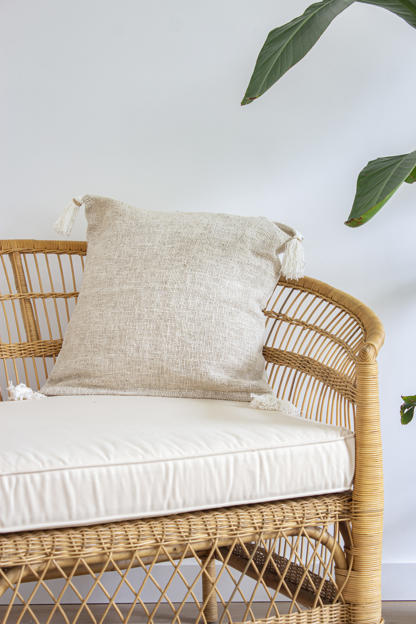 simply pure Handmade pillow with tassels ( Set of 2) Colour: Beige