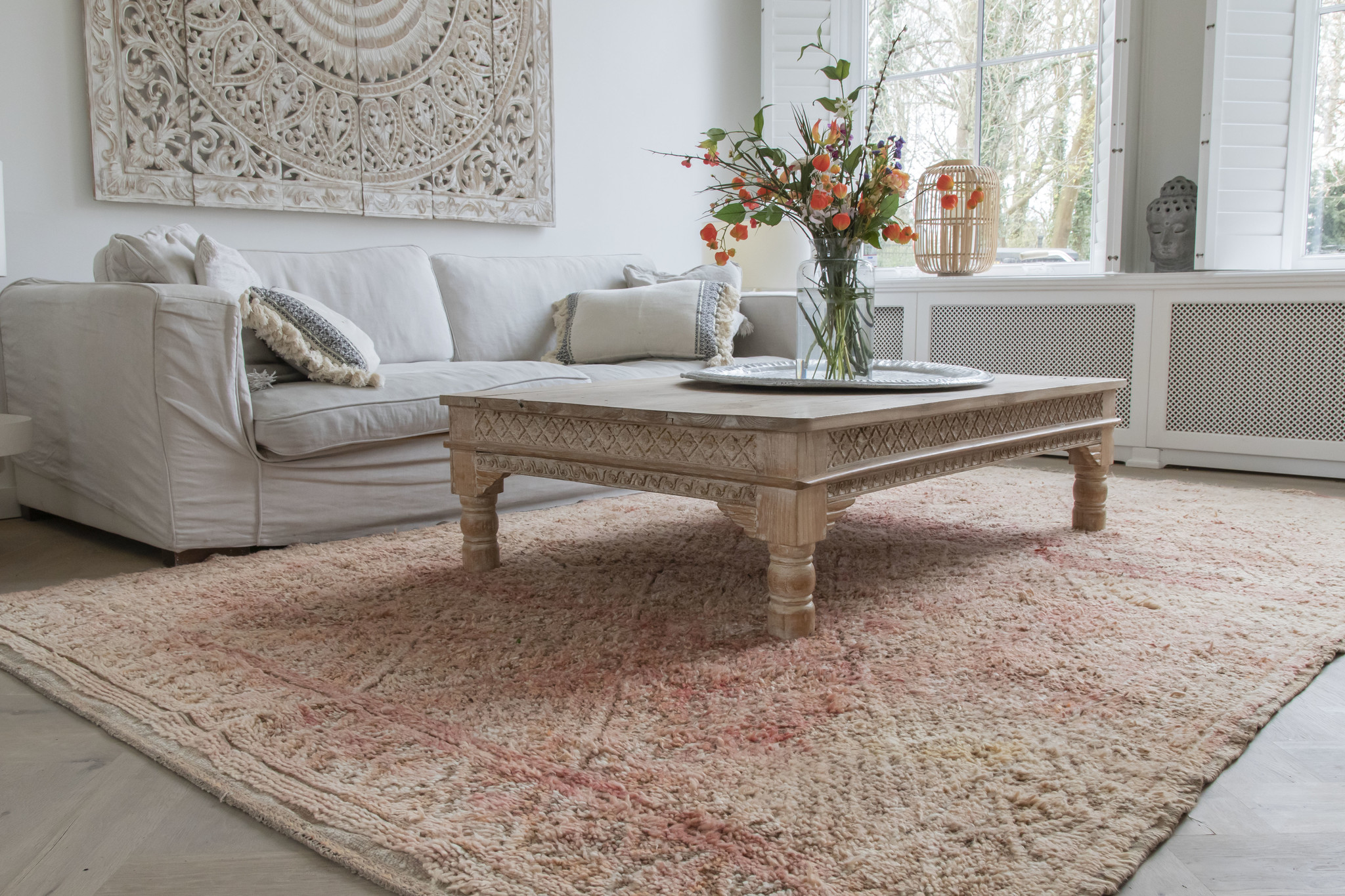 Simply Pure Handknotted Vintage Beni M'guild berber rug from Morocco 215 x 357 cm