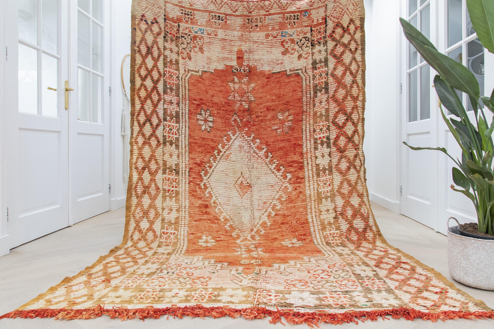 Simply Pure Handgefertigter Vintage Boujaad  Berber-Teppich aus Marokko 172 x 295 cm