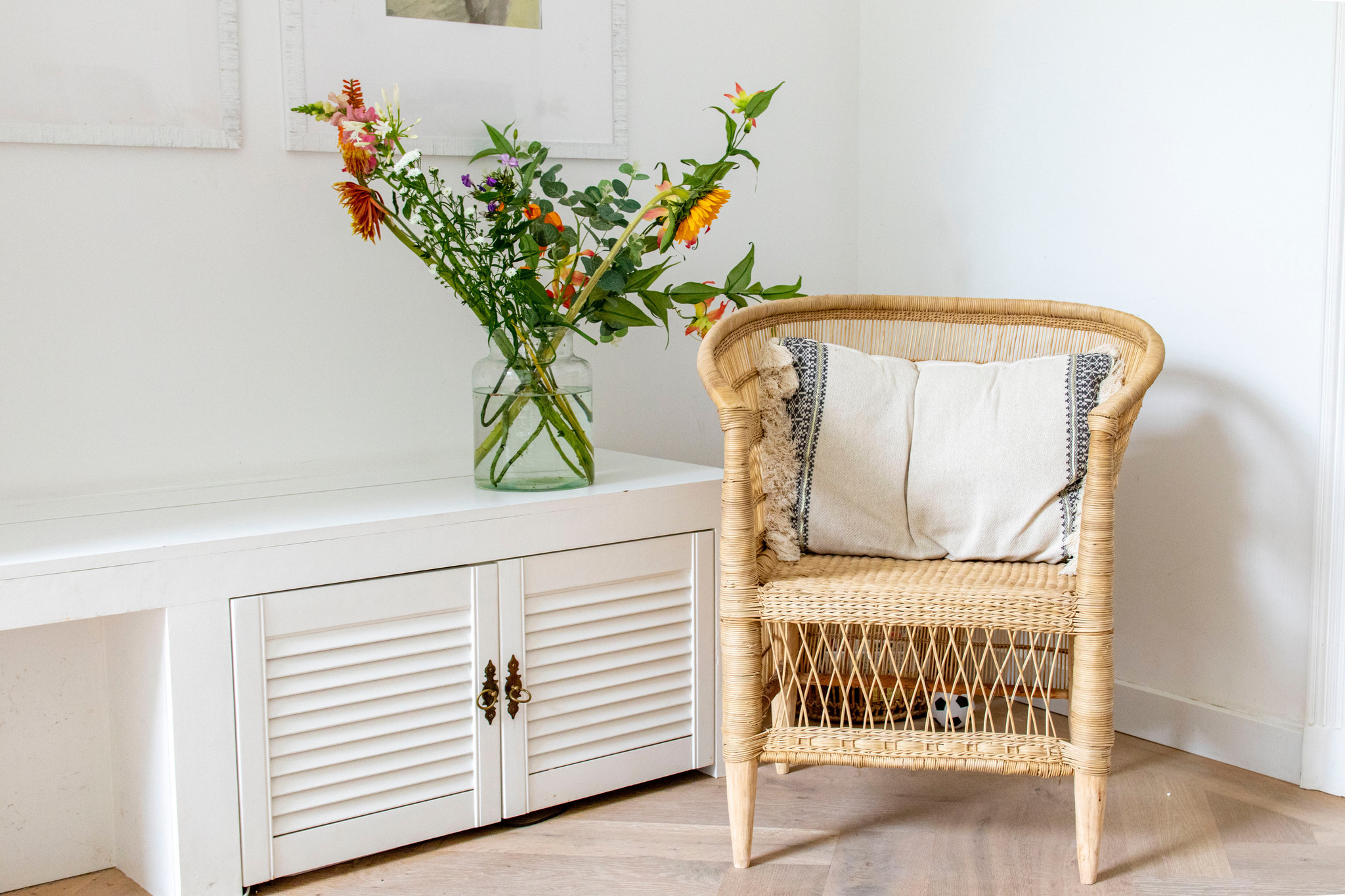 Simply Pure Der echte Malawy Stuhl