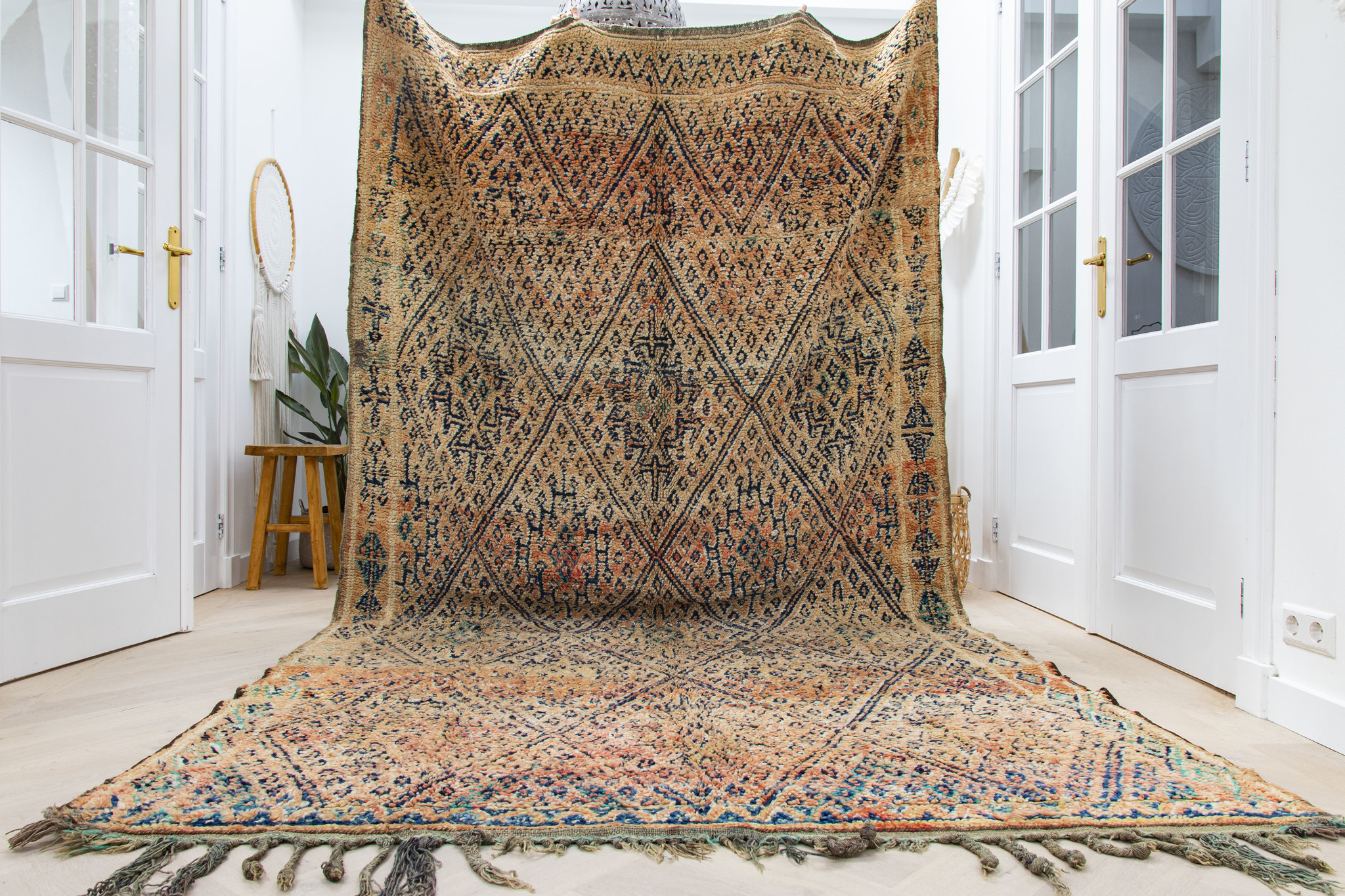 Simply Pure Handknotted Vintage Beni M'guild berber rug from Morocco  190 x 337 cm