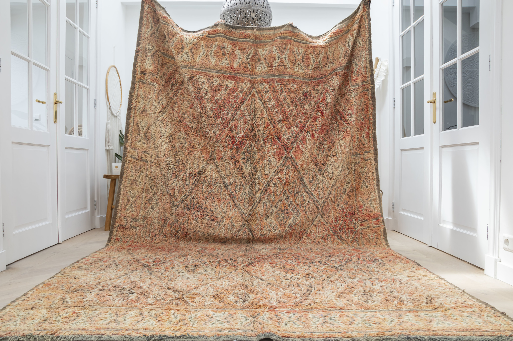 Simply Pure Handknotted Vintage Beni M'guild berber rug from Morocco  196 x 335 cm