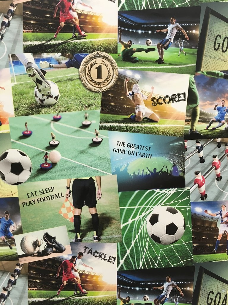 Fine Decor Voetbal Collage Behang