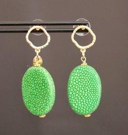 Gouden open steker met groen roggenleer 4cm Gouden open steker met groen roggenleer 4cm