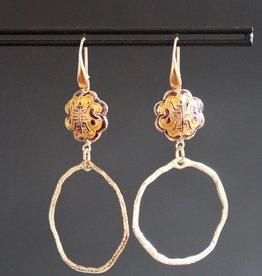 Gouden haakje met goud/paarse chinese kraal en grillige ring 7cm