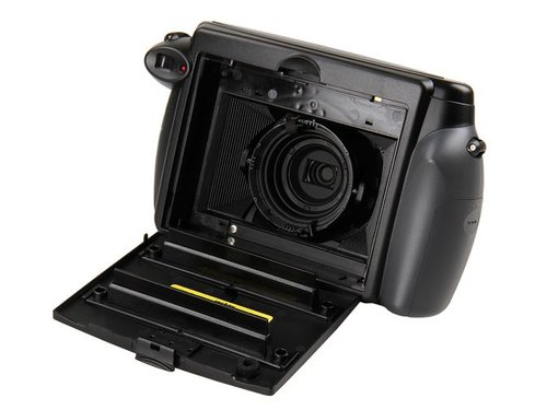 Фотоаппарат Fujifilm Instax Wide 210 в аренду