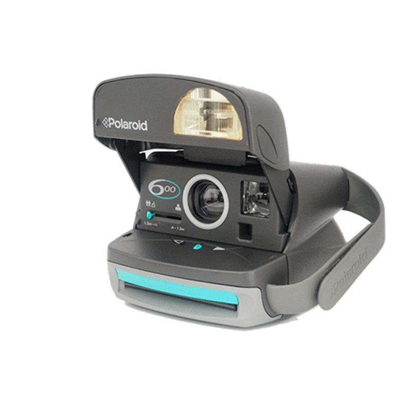 Новый Polaroid 600 с зеленой кнопкой