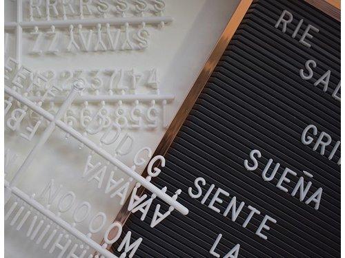 Интерьерная A3 доска с буквами медная рамка
