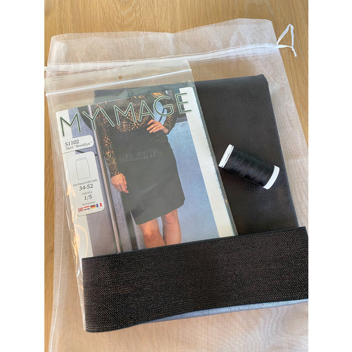 "Miss Doodle Kit 34-52 Sewing kit S1102 Skirt ""Black Napa"" + free magazine"
