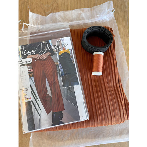 """Miss Doodle Kit 34-52 Sewing kit H1008 Trousers """"Rust"""""""