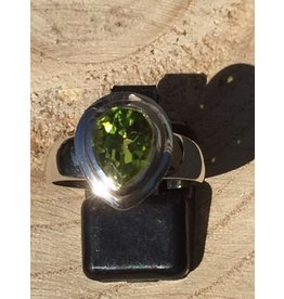 peridot facet ring