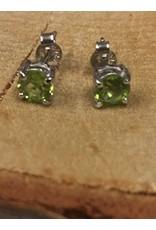 peridot of olivijn facet oorstekers