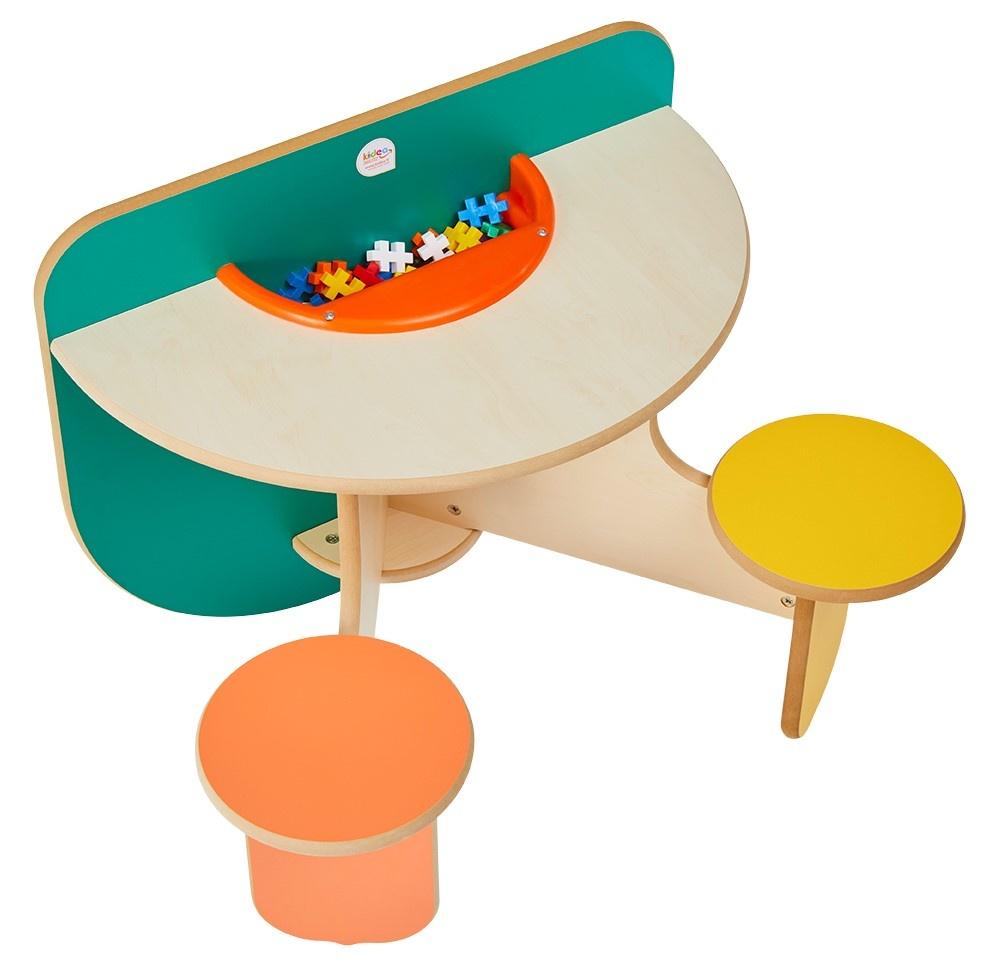 Meuble De Rangement Pour Garderie table pour deux enfant - rangement et briques fournis