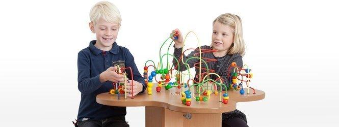 table boulier avec deux enfants