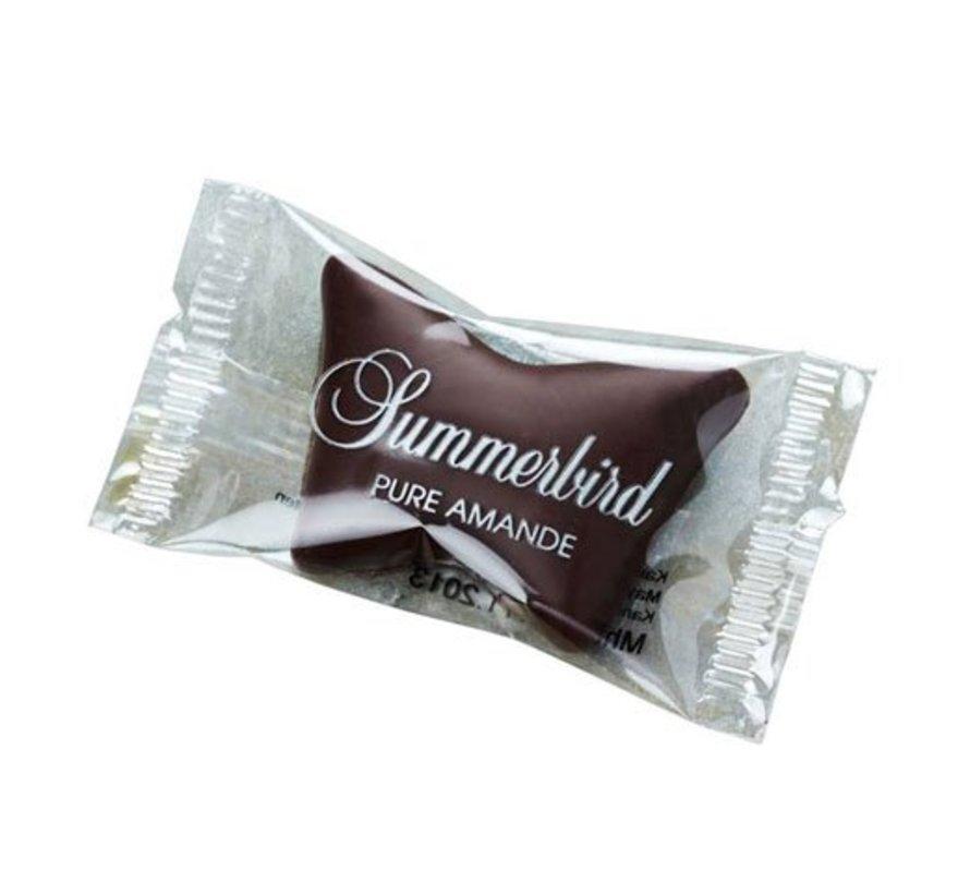 Bio-Marzipan mit dunkler Schokolade als Schmetterling