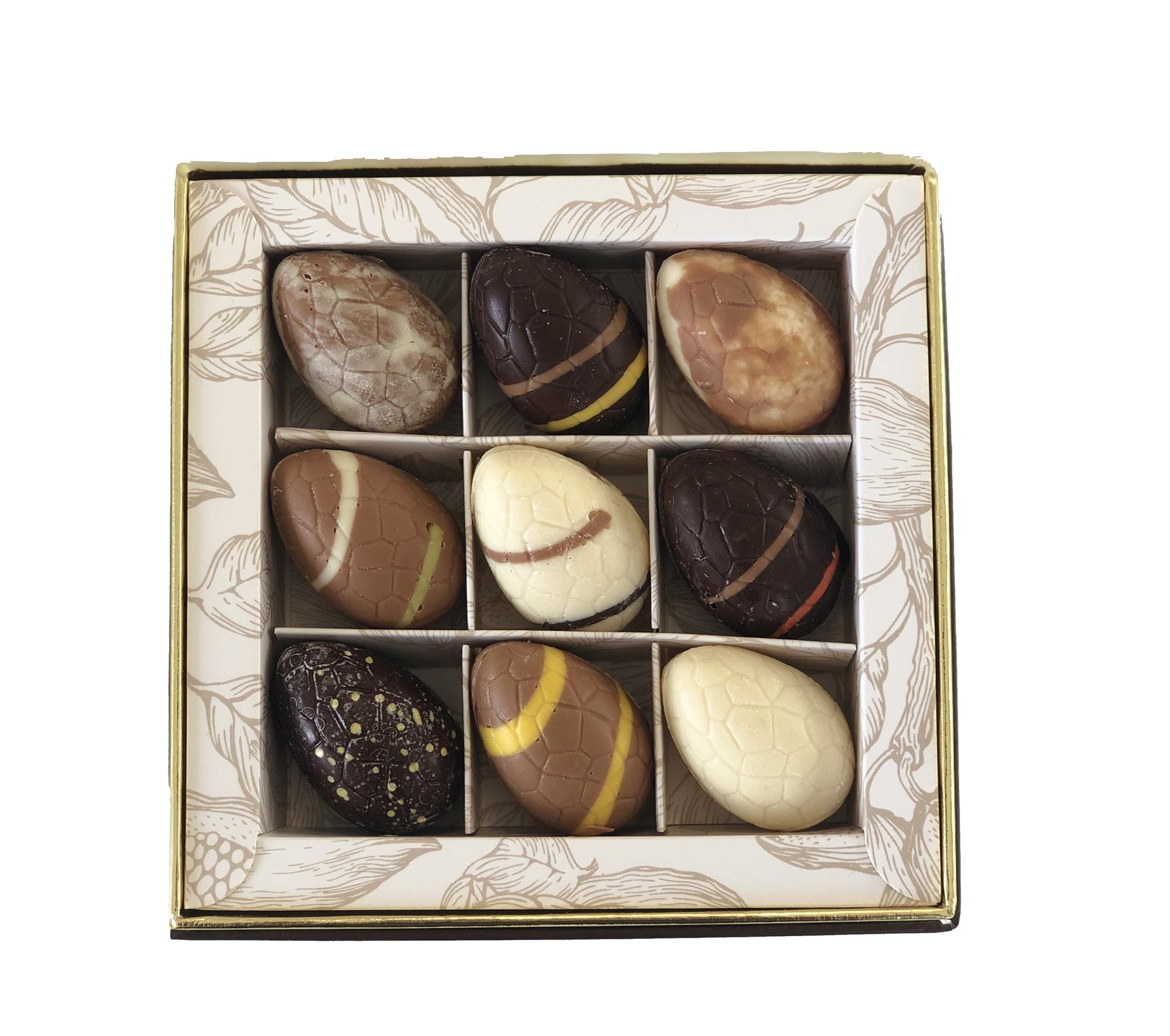 Luxe box met 9 ambachtelijke Paasbonbons