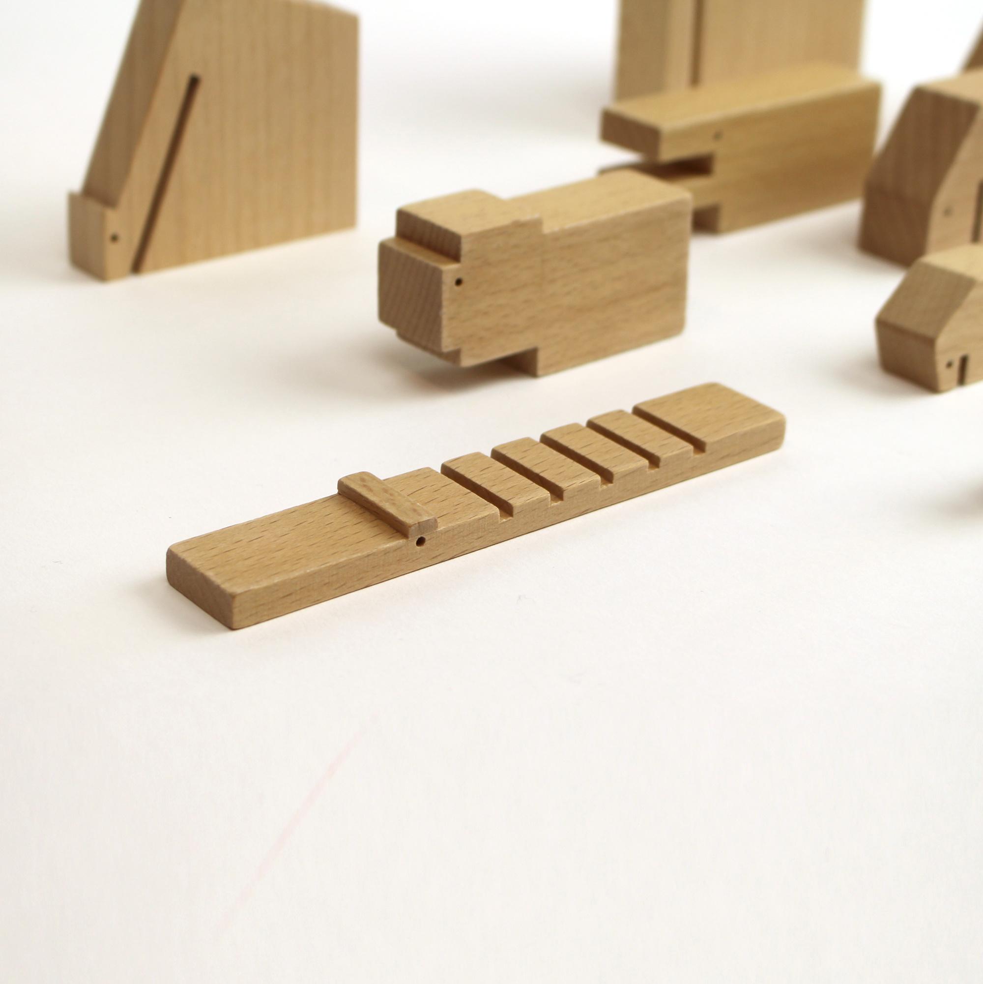 Ikonic Toys Floris Hovers Houten Dieren - ongelakt