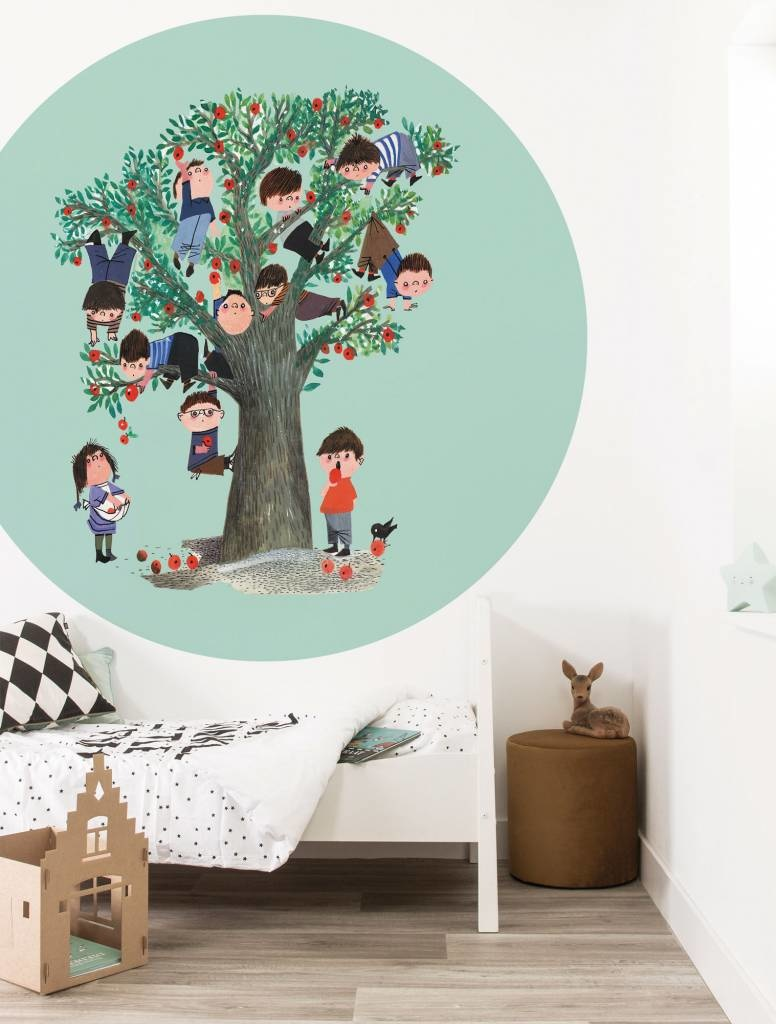 kinderkamer behang appelboom babykamer styling