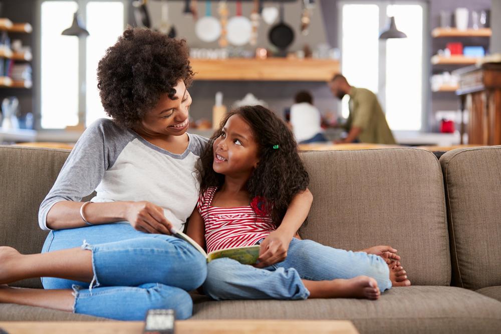 Hoe lees ik mijn kind voor in een vreemde taal?