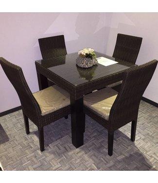 Tafelmet four chairs