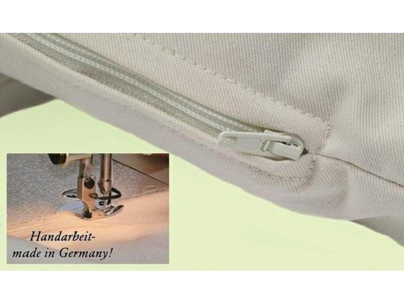 Mudis Mudis® lees- & steunkussen met een speltkaf-milletdopjes kussenvulling. Afmetingen 25x50, 40x40 en 50x50.