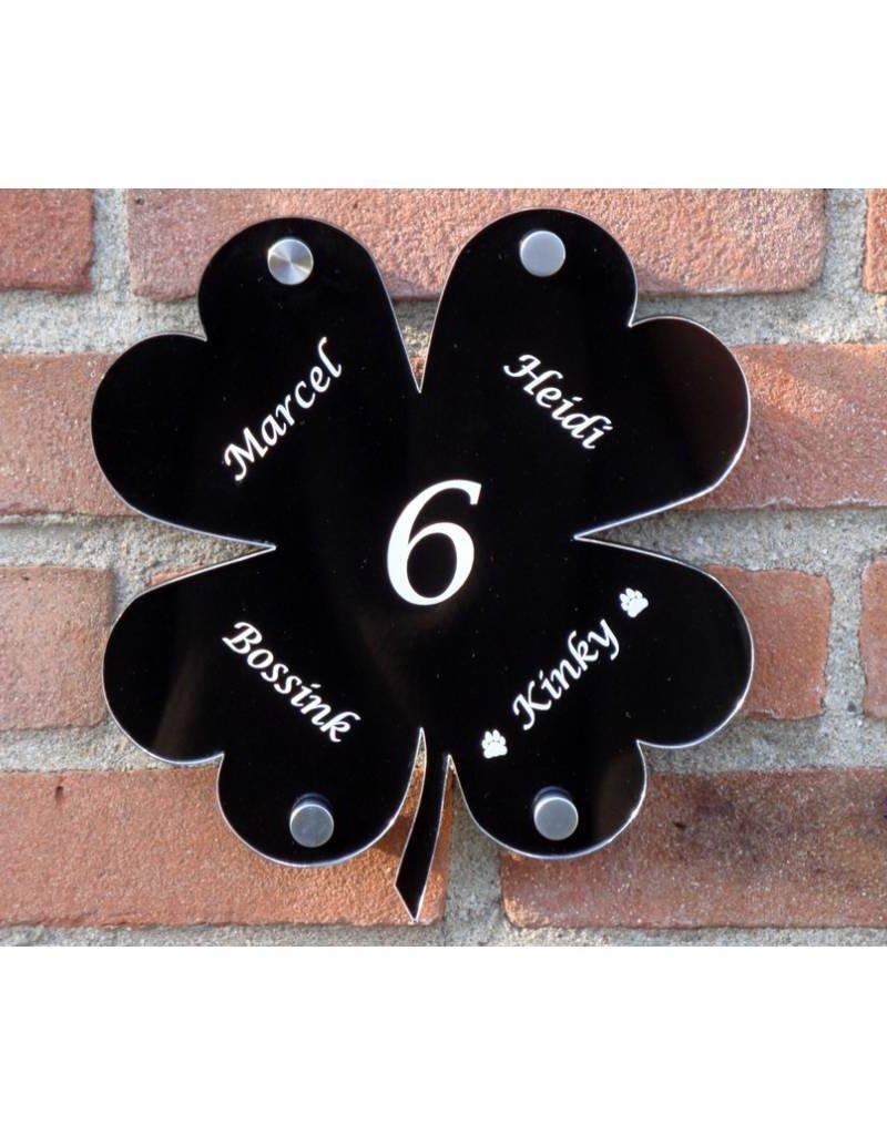 Klavertje vier als naambord