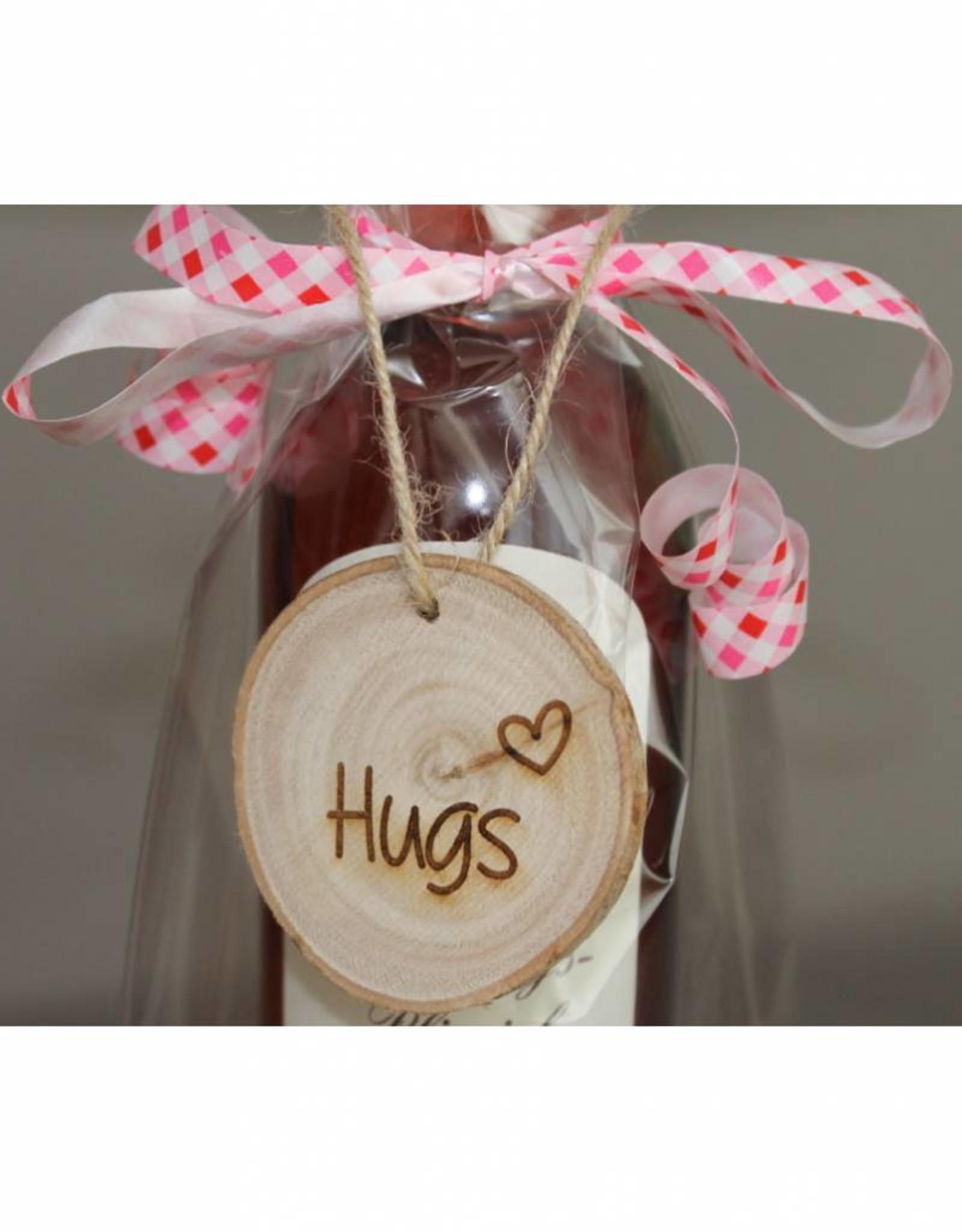 """Houten cadeau-label - """"Hugs"""""""