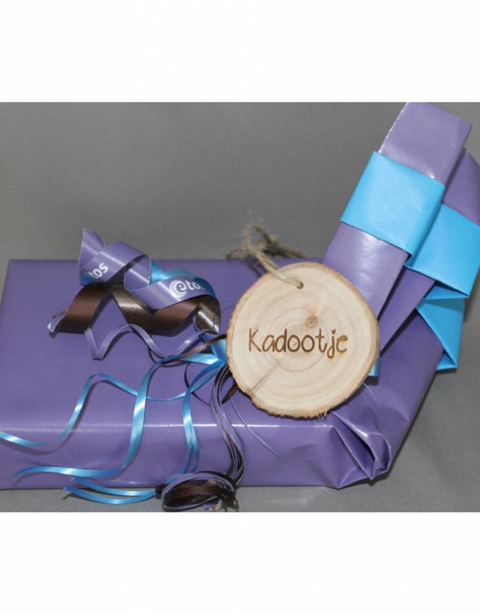 """Houten cadeau-label - """"Kadootje"""""""