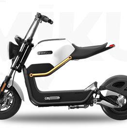 Elektro Scooter Miku Max E Roller Mofa Straßenzulassung