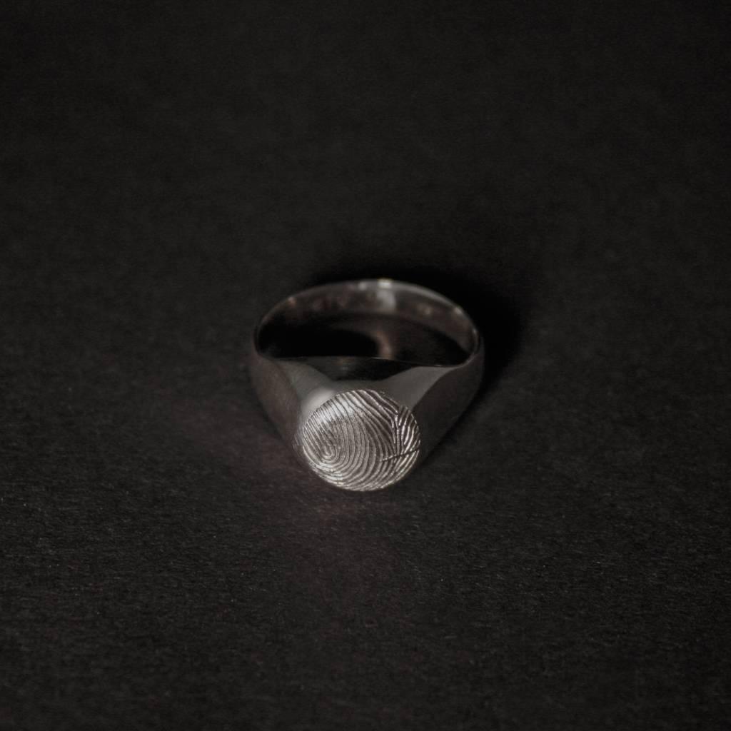 Zilveren damesring ROND - met vingerafdruk